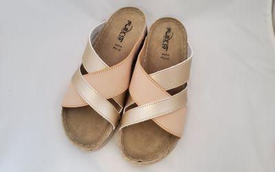 Bőr női papucs 10559 beige/platina sabbia2