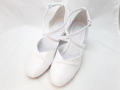 mennyasszony cipő 512  fehér p.+csiribiri2